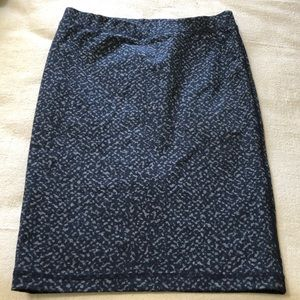 #0095. TRINA TURK SLIP ON PENCIL SKIRT